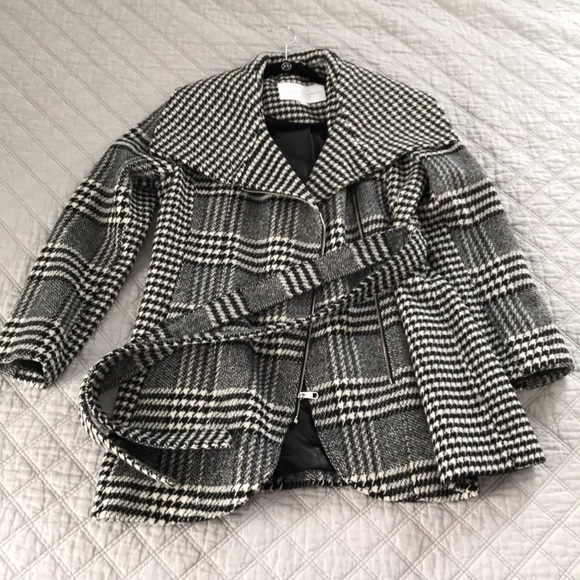 Jessica Simpson Asymmetrical zip houndstooth coat